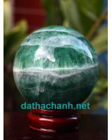 Phong thủy quả cầu ngọc lục bảo fluorit XC8.6