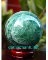 Phong thủy quả cầu ngọc lục bảo fluorit XC8.6a
