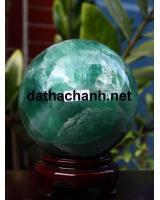 Phong thủy quả cầu ngọc lục bảo fluorit XC10.4a