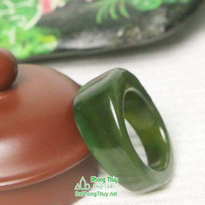 Nhẫn ngọc bích nephrite jade NBNK2-18.2