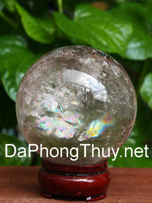 Thach anh khoi phong thuy
